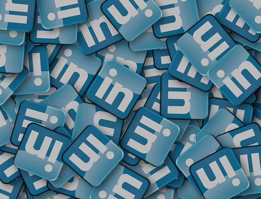 LinkedIn Profile Tips: 10 Ways to Keep Your Page Fresh